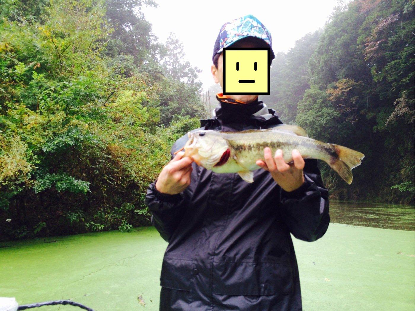oronamin_shoさんの投稿画像,写っている魚はブラックバス