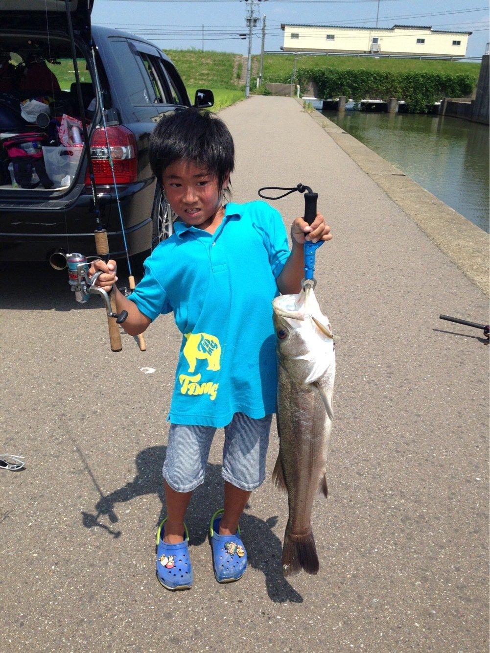 楠 雅文さんの投稿画像,写っている魚はスズキ