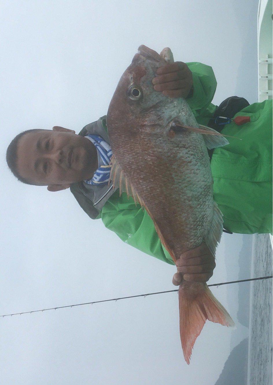 アサケンさんの投稿画像,写っている魚はマダイ