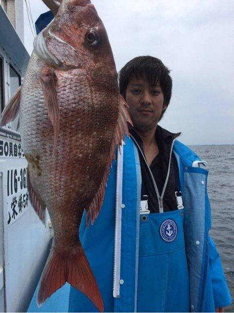 ひろひさんの投稿画像,写っている魚はマダイ