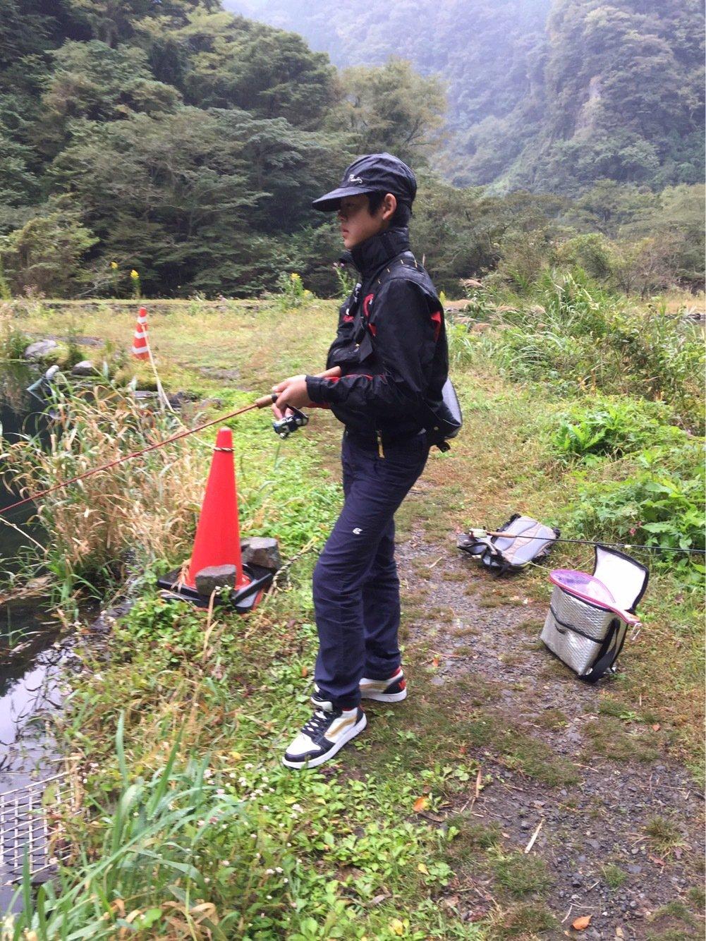 栄太郎さんの投稿画像,写っている魚はニジマス