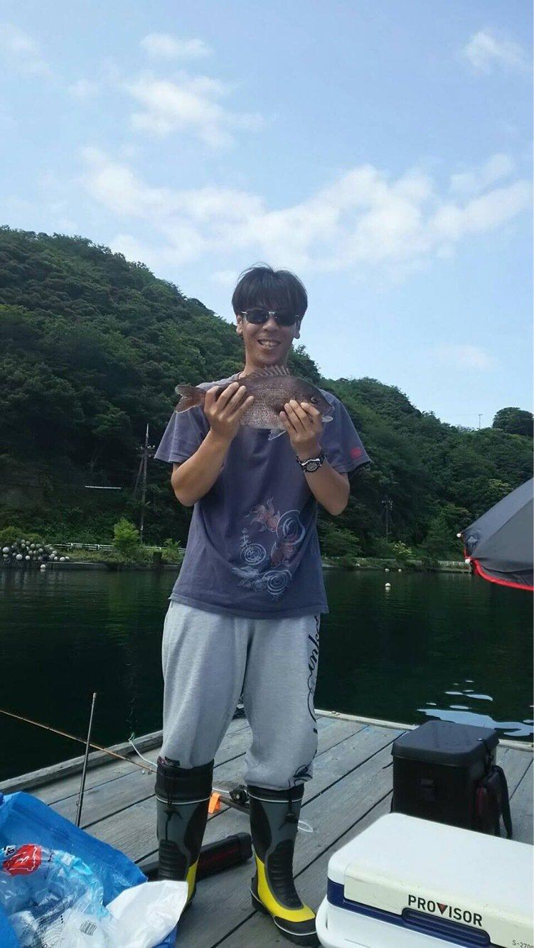 コキチさんの投稿画像,写っている魚はマダイ