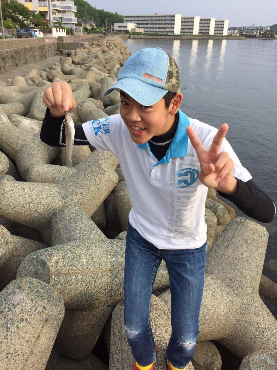 栄太郎さんの投稿画像,写っている魚はシロギス