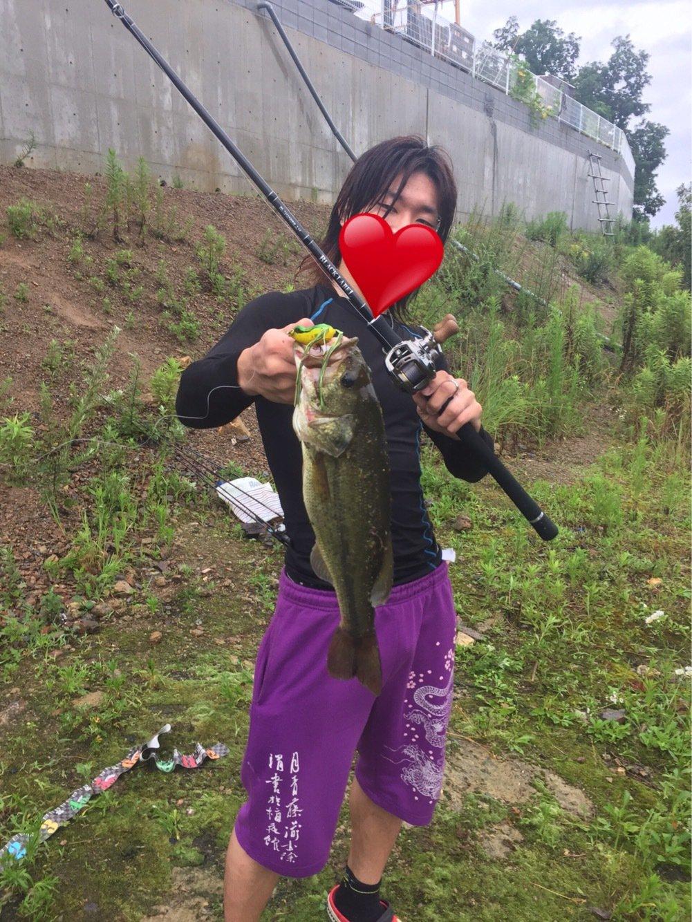 りょーちん♡さんの投稿画像,写っている魚はブラックバス