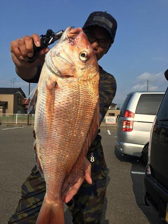 細野 隼佑さんの投稿画像,写っている魚はマダイ