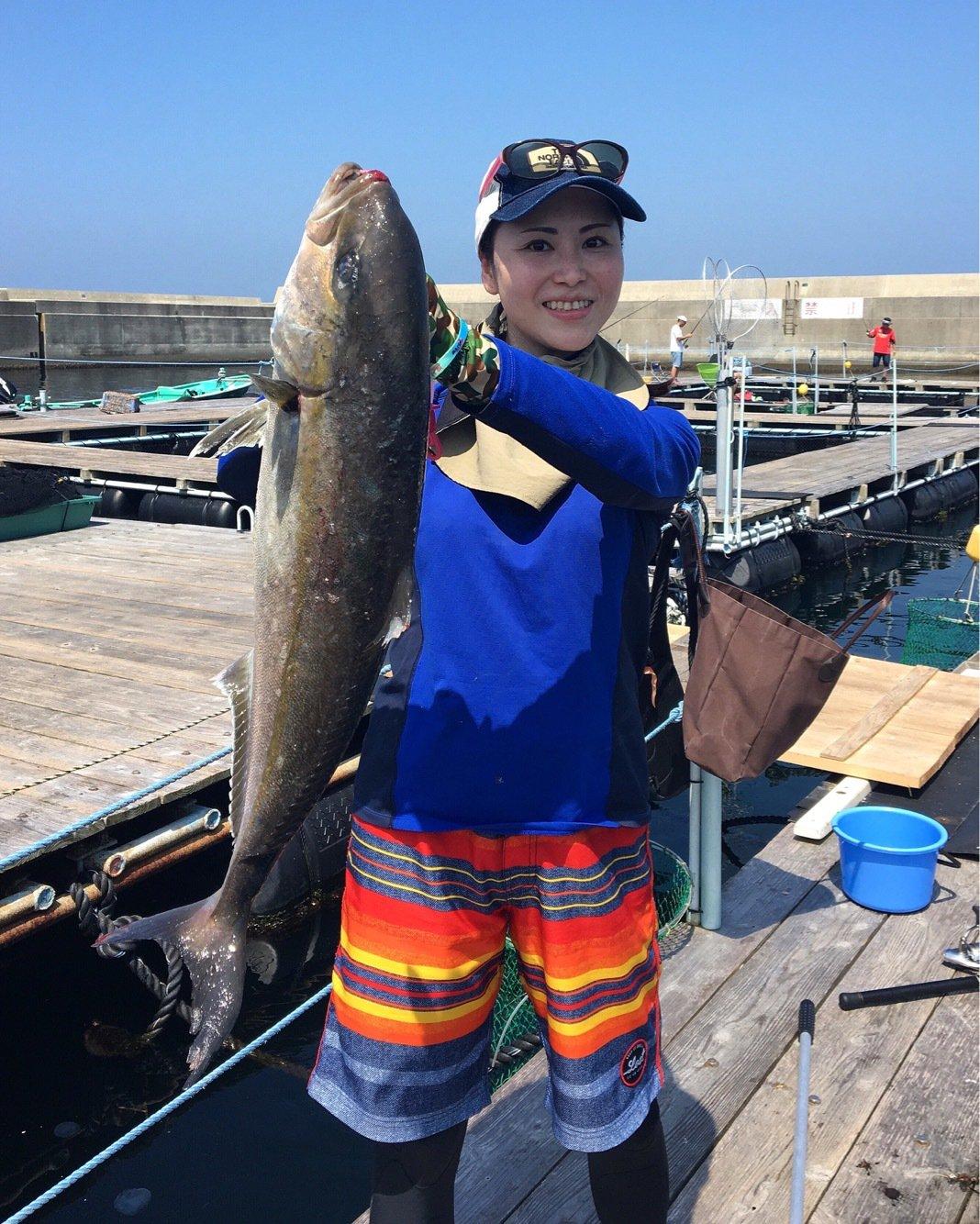 ユミさんの投稿画像,写っている魚はカンパチ