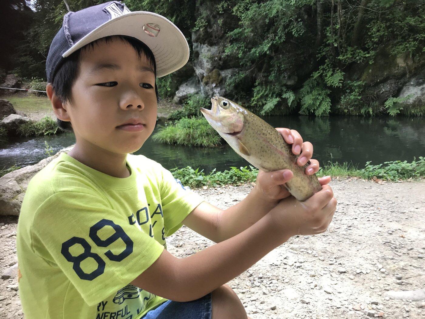 かねさんの投稿画像,写っている魚はニジマス