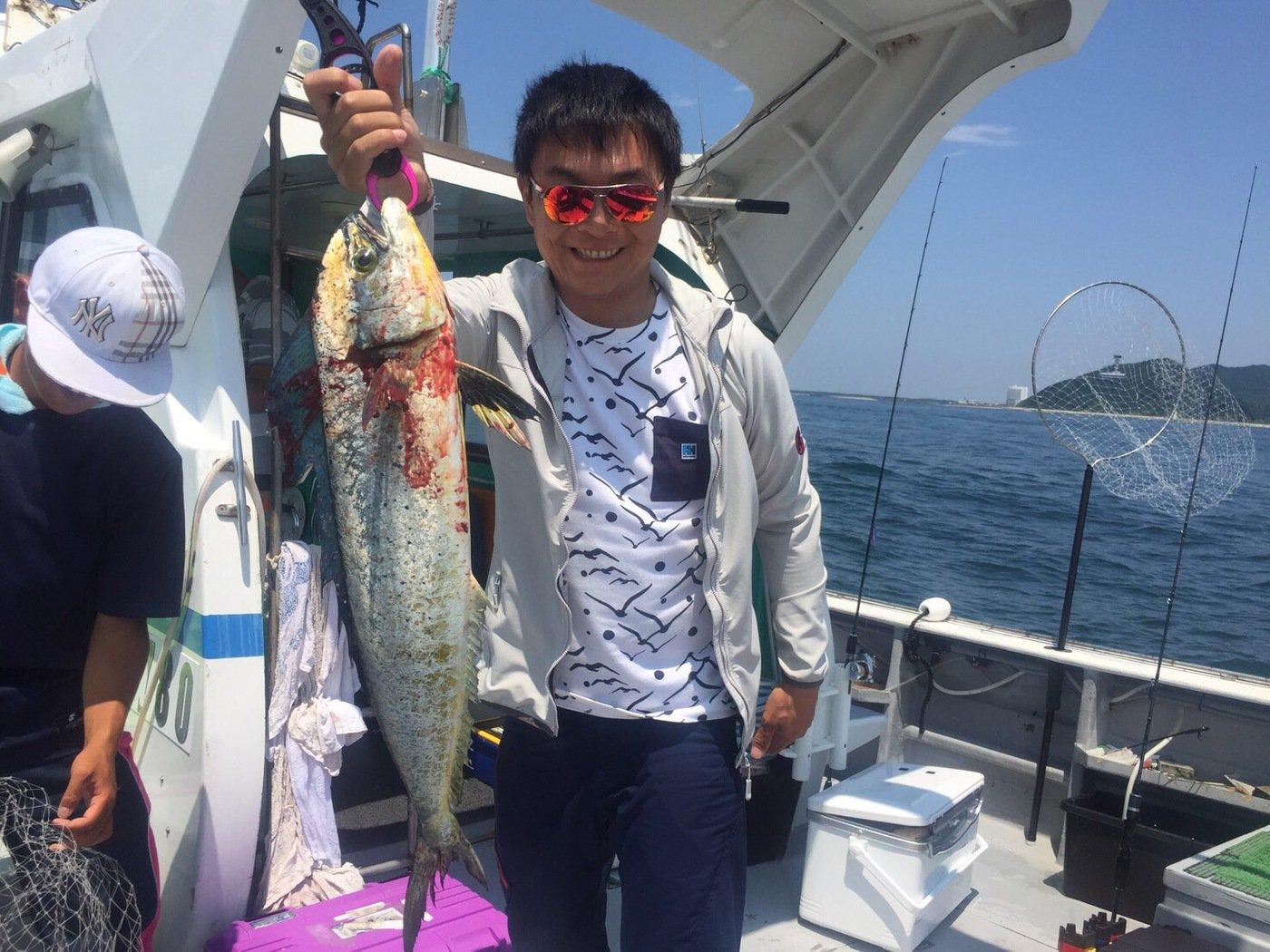 筆頭さんの投稿画像,写っている魚はシイラ