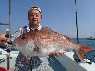 高島名人さんの投稿画像,写っている魚はマダイ