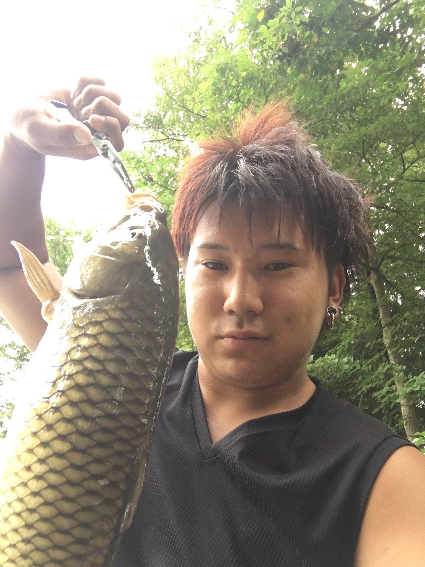 さぁたろさんの投稿画像,写っている魚はコイ