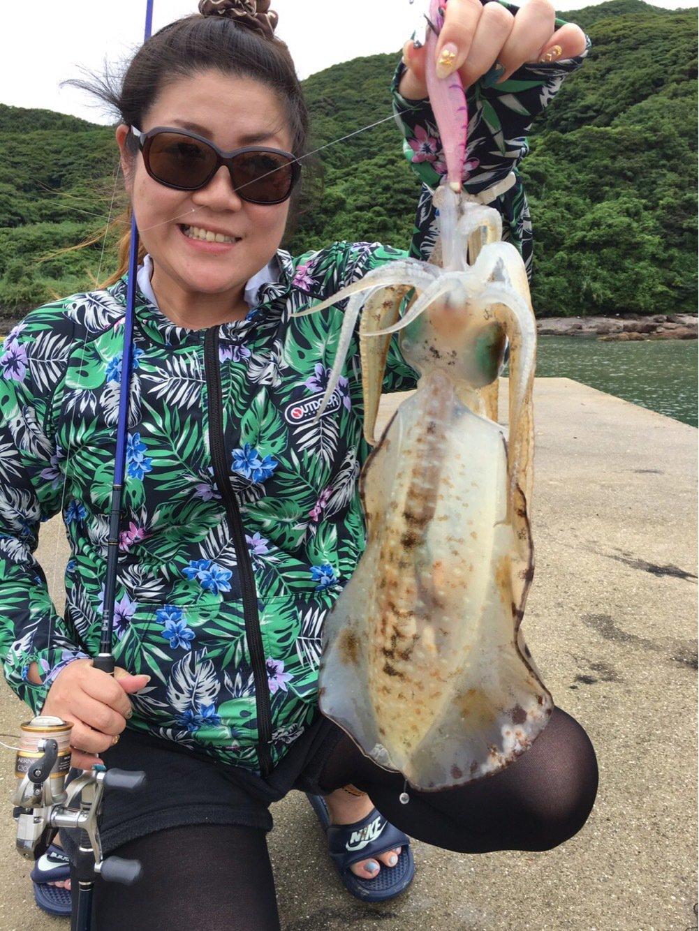 ♡墨祭♡さんの投稿画像,写っている魚はアオリイカ