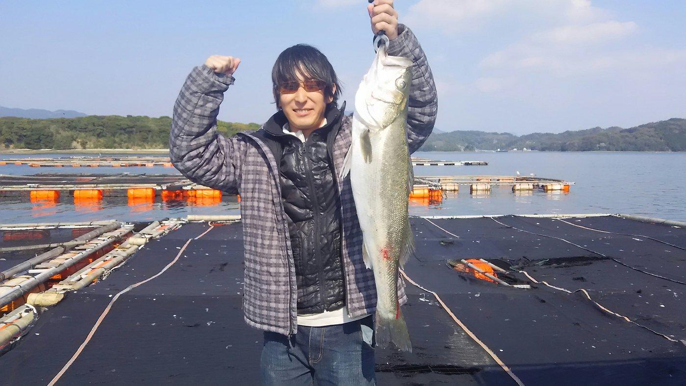 inouekeisukeさんの投稿画像,写っている魚はスズキ