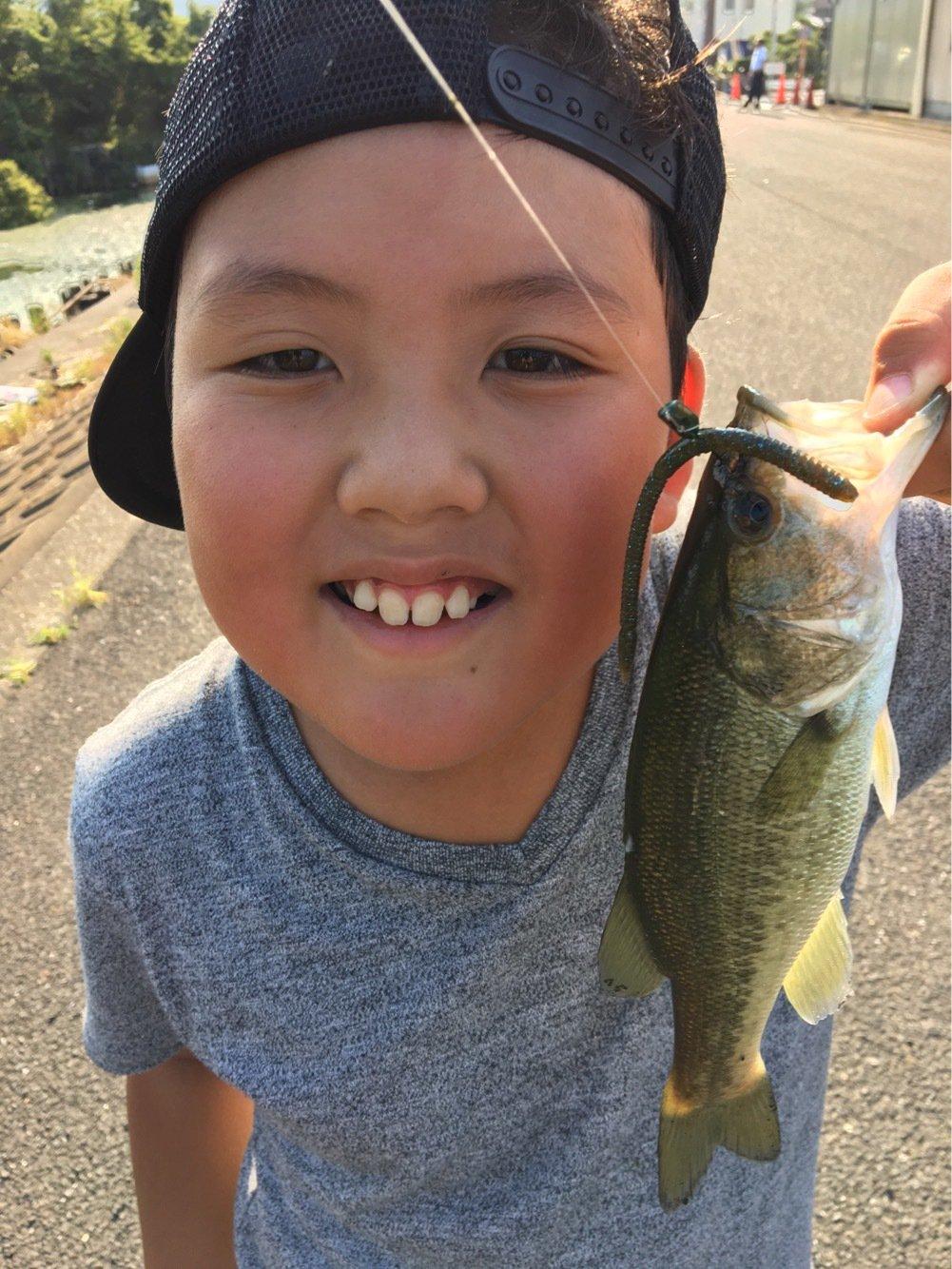 ケンケラさんの投稿画像,写っている魚はブラックバス