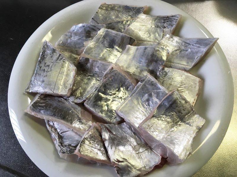 SHINGOさんの投稿画像,写っている魚はタチウオ