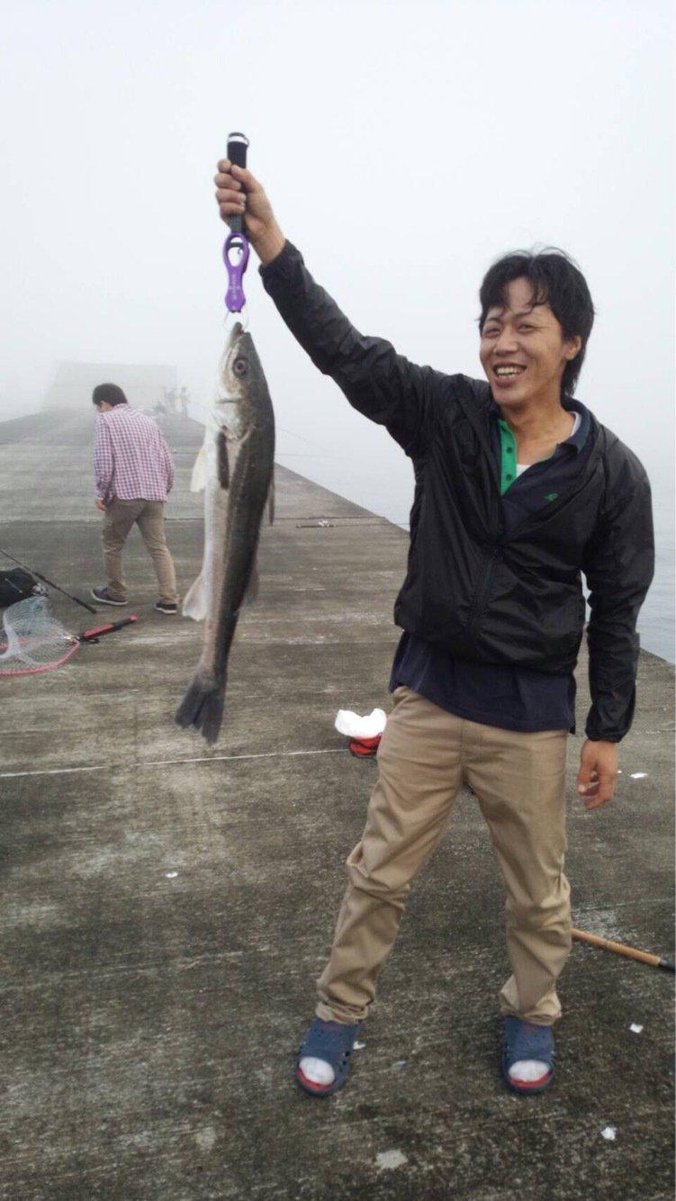 クロさんの投稿画像,写っている魚はスズキ