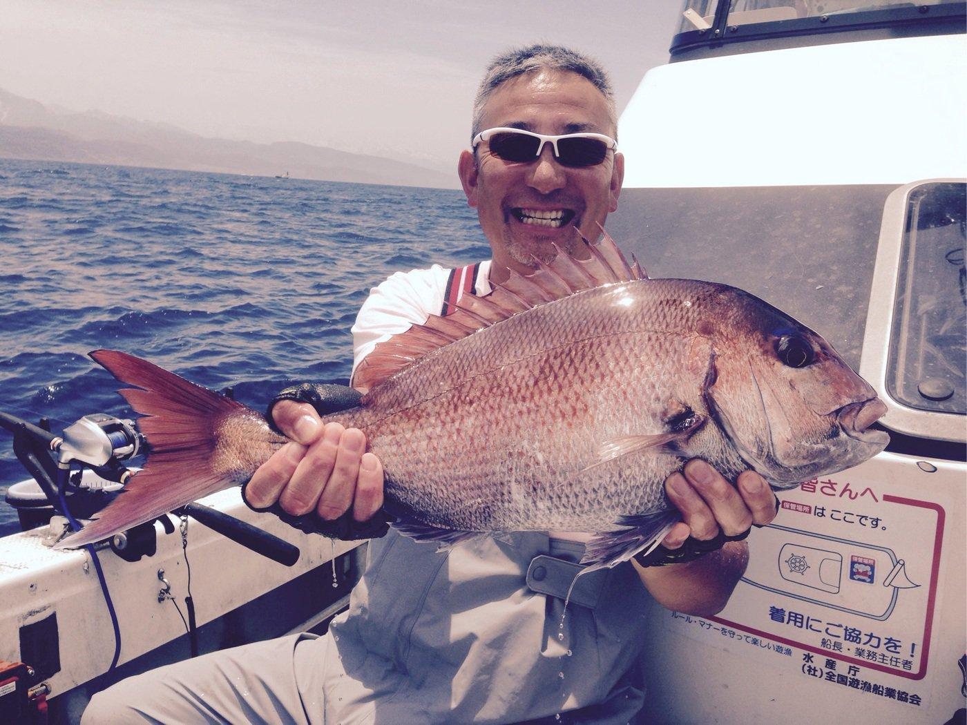 かっちゃんさんの投稿画像,写っている魚はマダイ
