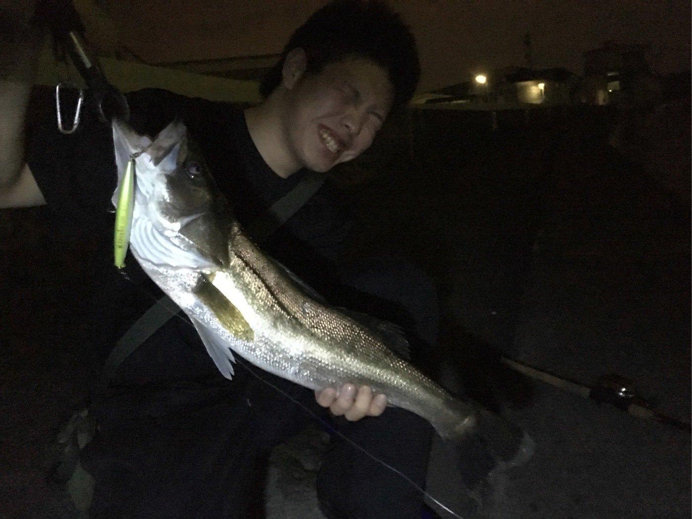 Ryoさんの投稿画像,写っている魚はスズキ