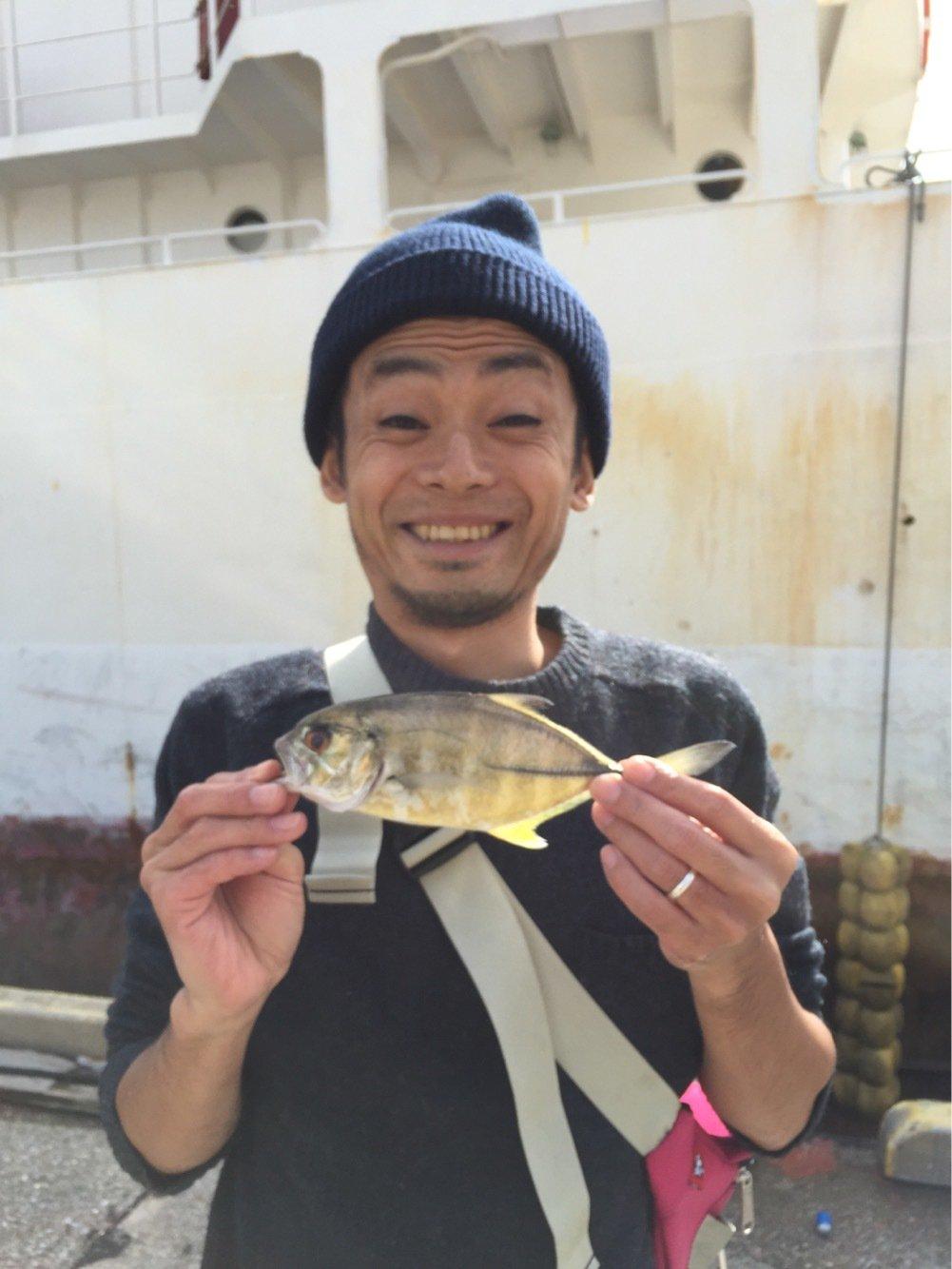 サカイエヒタさんの投稿画像,写っている魚はシマアジ