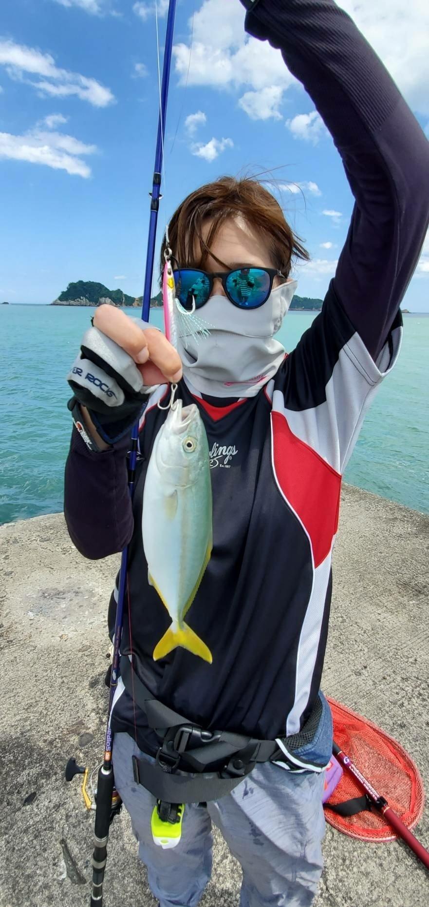 饂飩太郎さんの投稿画像,写っている魚はワラサ