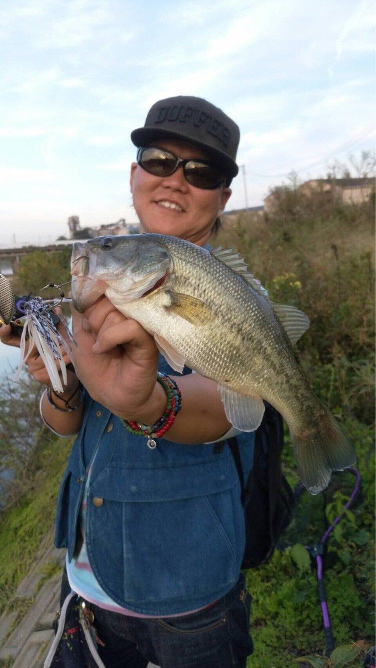 CCBさんの投稿画像,写っている魚はブラックバス