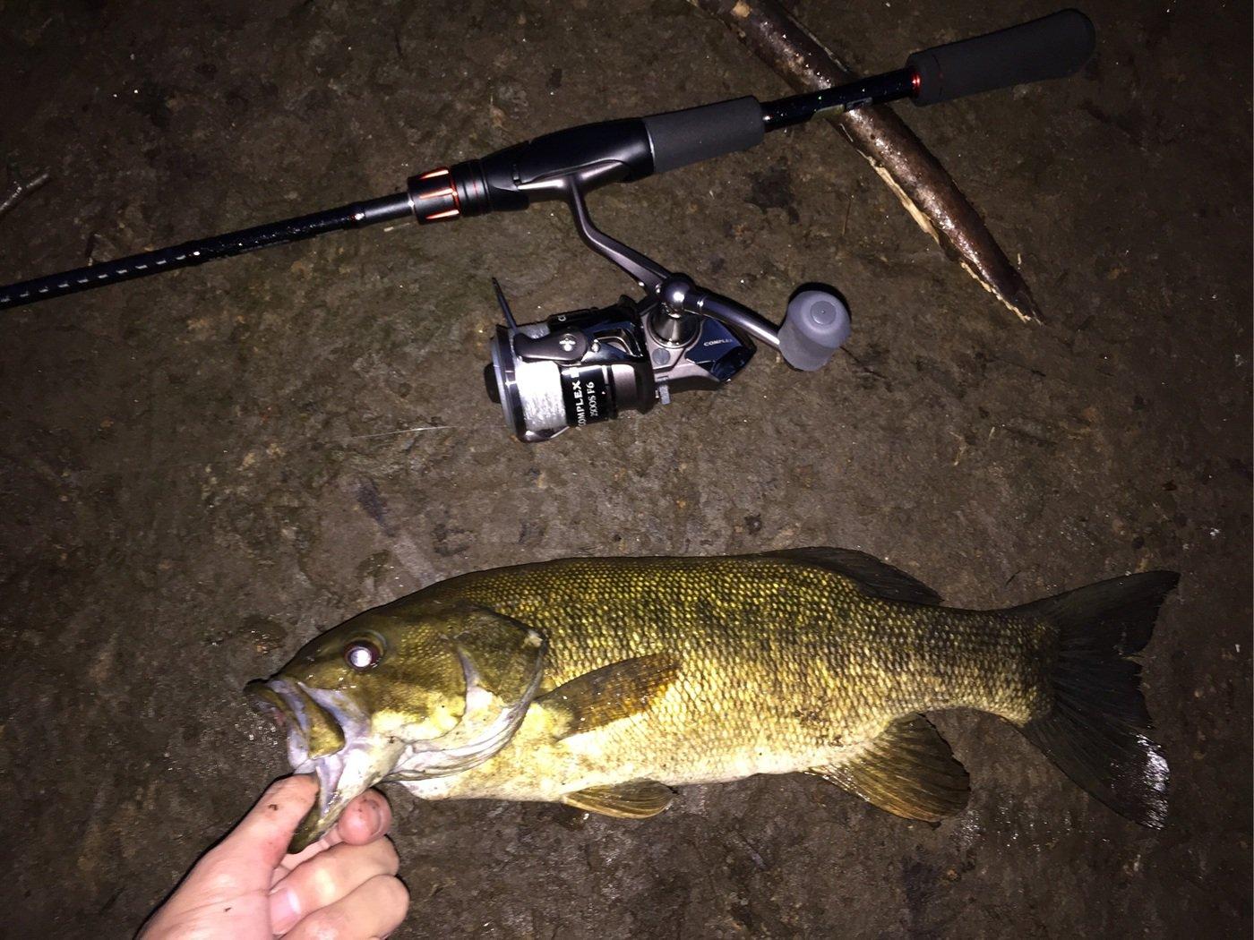 釣りキチ一平さんの投稿画像,写っている魚はスモールマウスバス