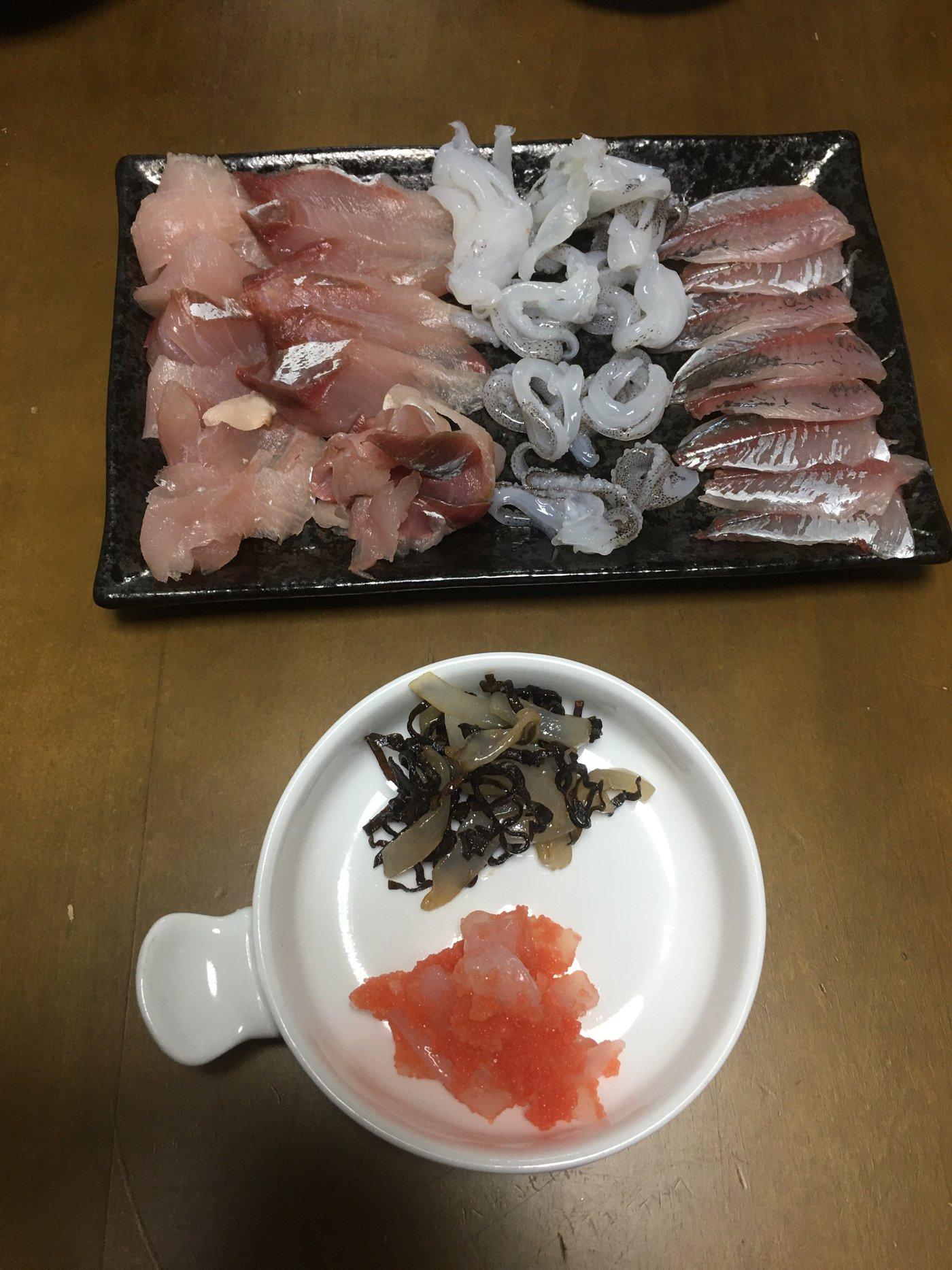 サカやんさんの投稿画像,写っている魚はアオリイカ,アジ