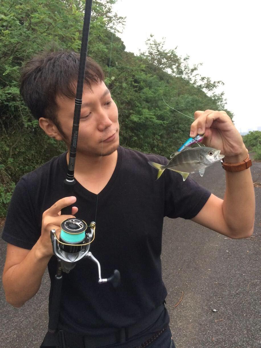 カズワタベさんの投稿画像,写っている魚はミナミギンガメアジ
