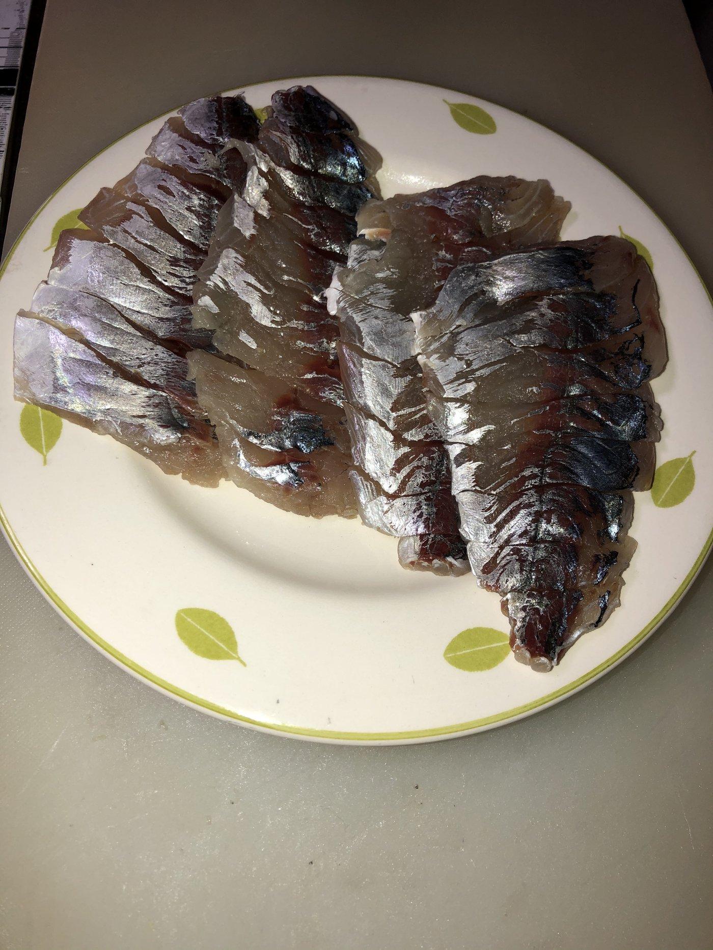 YDKさんの投稿画像,写っている魚はアジ