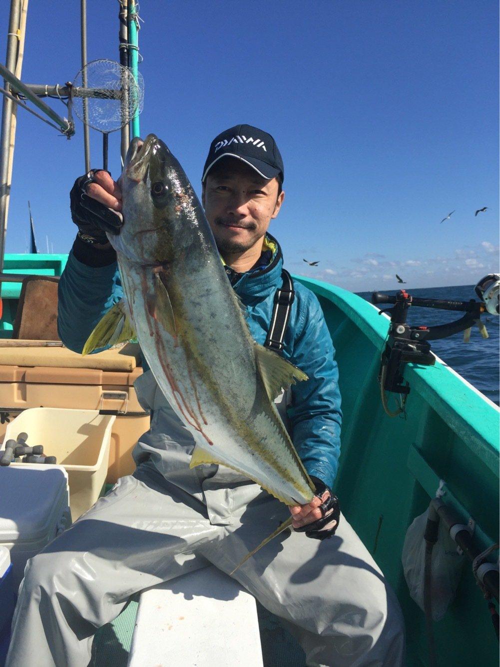 fish hunter 8号さんの投稿画像,写っている魚はヒラマサ