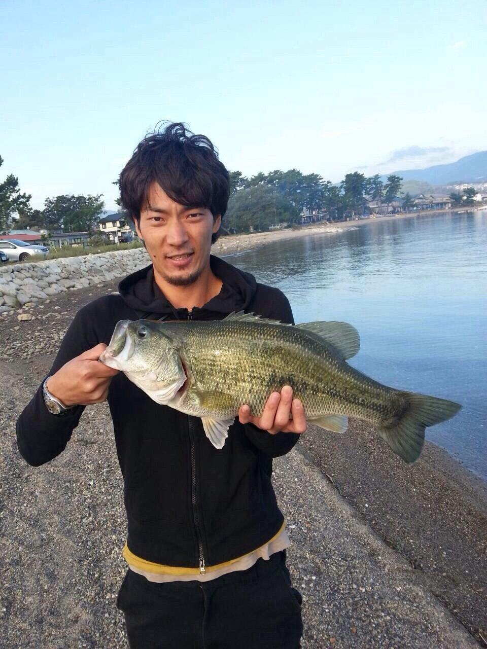 さたけんさんの投稿画像,写っている魚はブラックバス