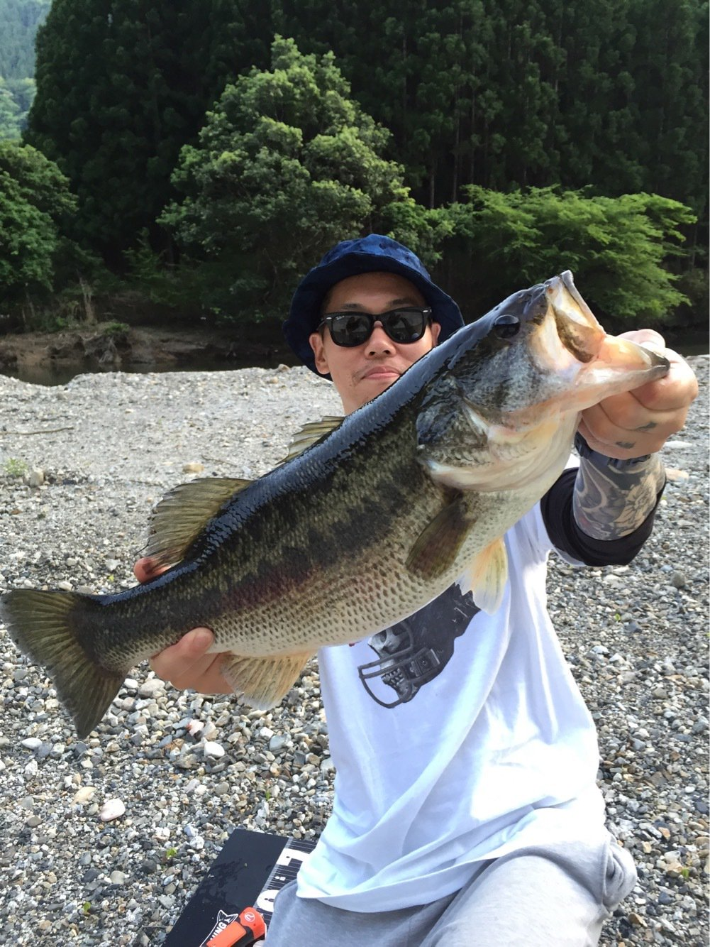 釣り吉八平さんの投稿画像,写っている魚はブラックバス