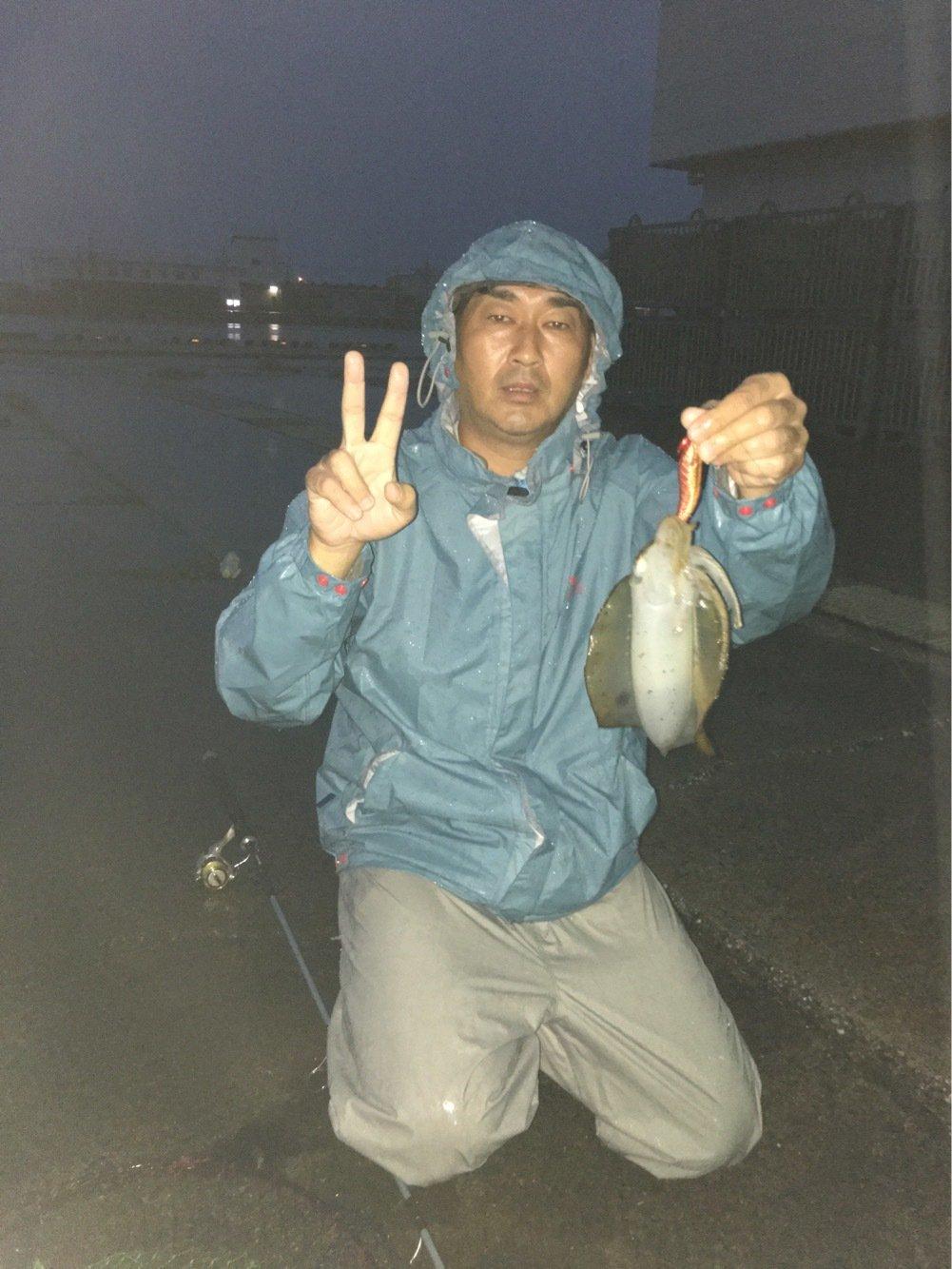 ノスさんの投稿画像,写っている魚はアオリイカ