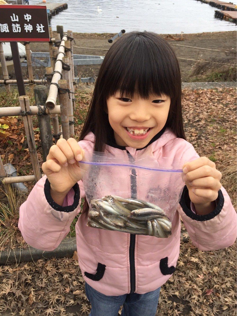 fish hunter 8号さんの投稿画像,写っている魚はワカサギ