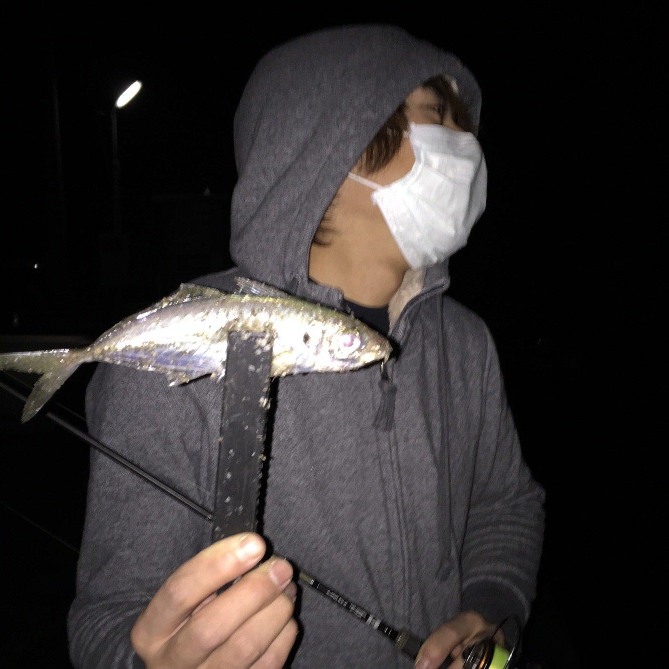 Rさんの投稿画像,写っている魚はアジ