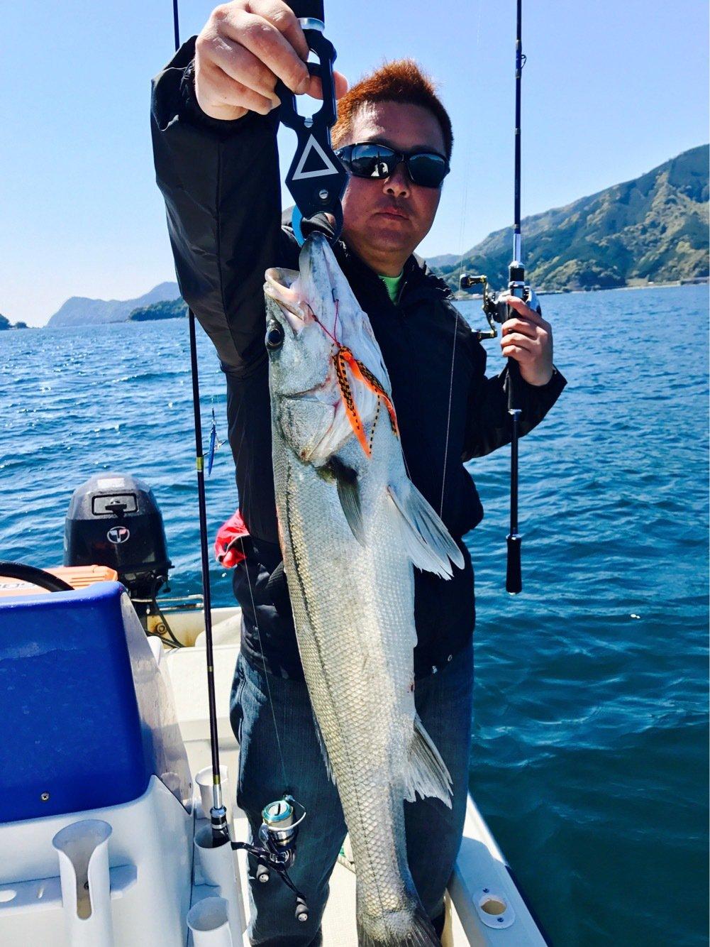 yamさんの投稿画像,写っている魚はヒラスズキ
