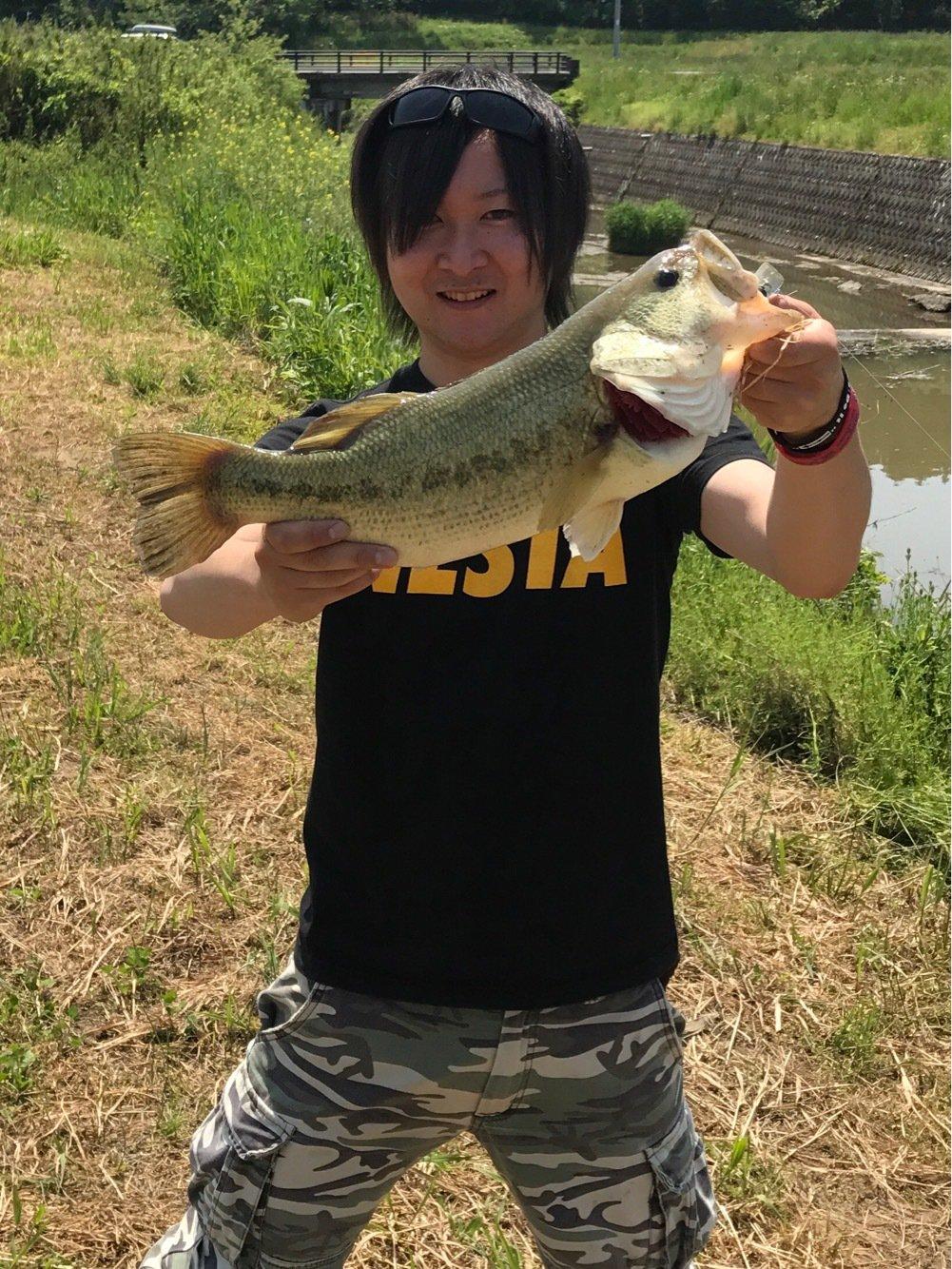 ADRENAさんの投稿画像,写っている魚はブラックバス