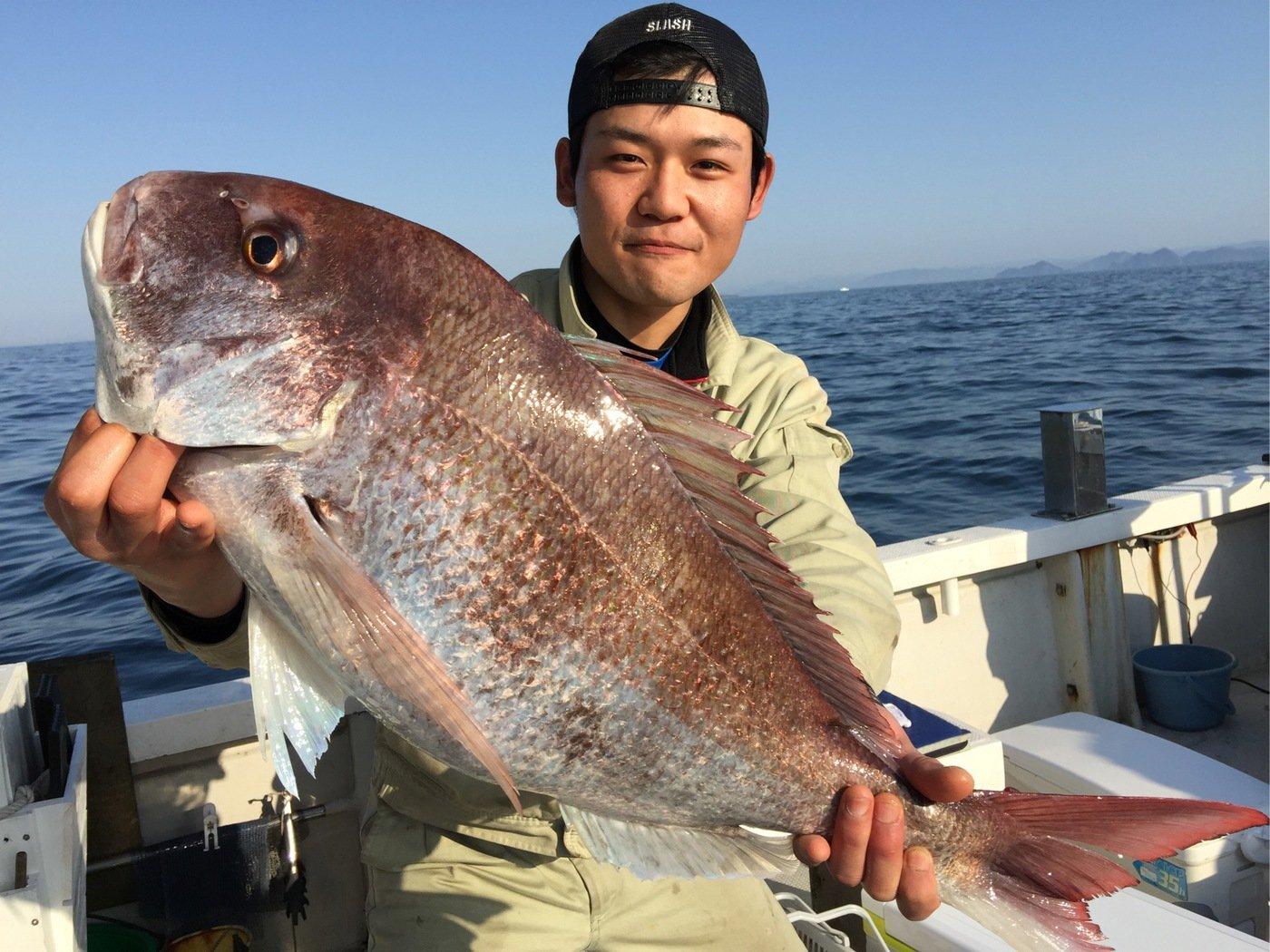 奥山 賢祐さんの投稿画像,写っている魚はマダイ