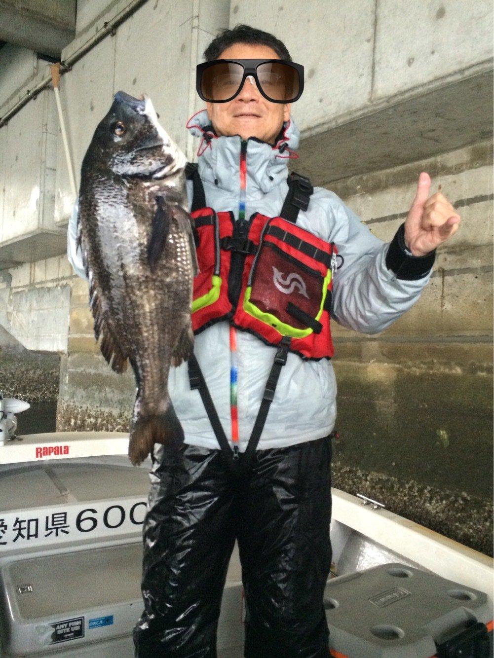 ヤスさんの投稿画像,写っている魚はクロダイ