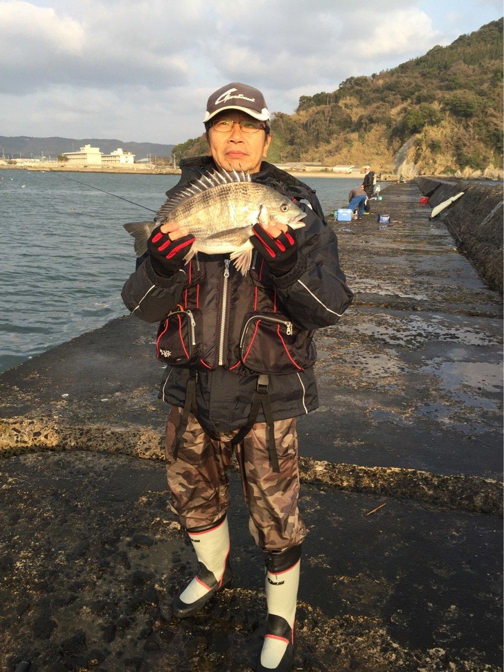 カングロさんの投稿画像,写っている魚はクロダイ