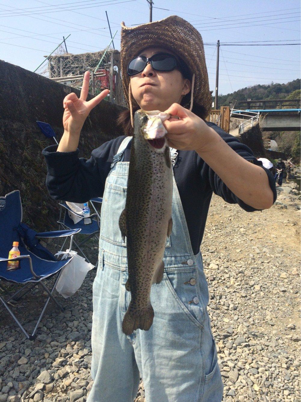 コキチさんの投稿画像,写っている魚はニジマス