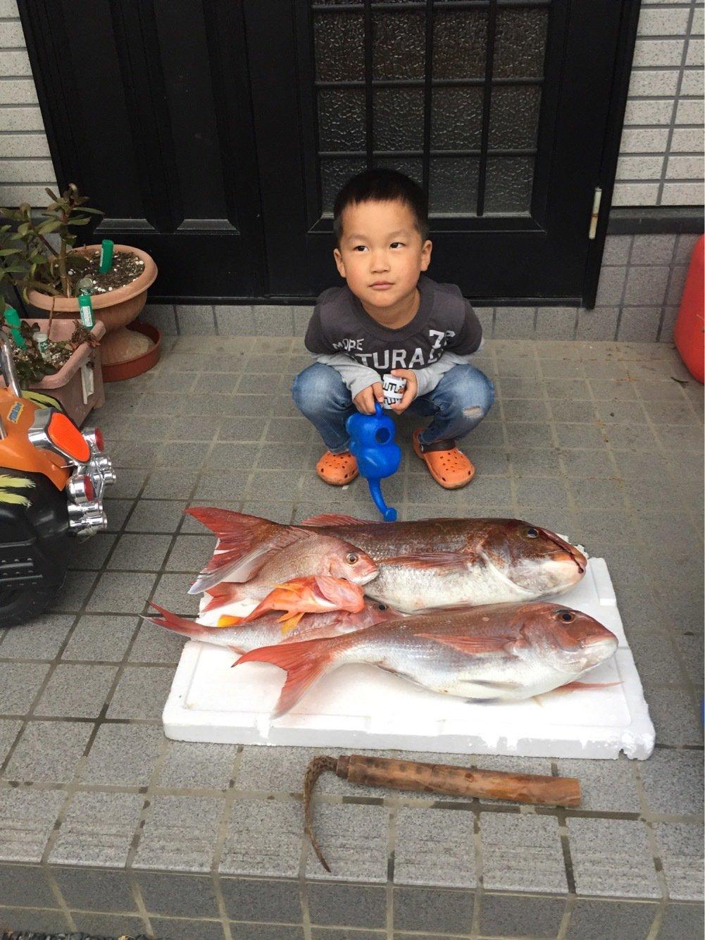 空坊さんの投稿画像,写っている魚はマダイ