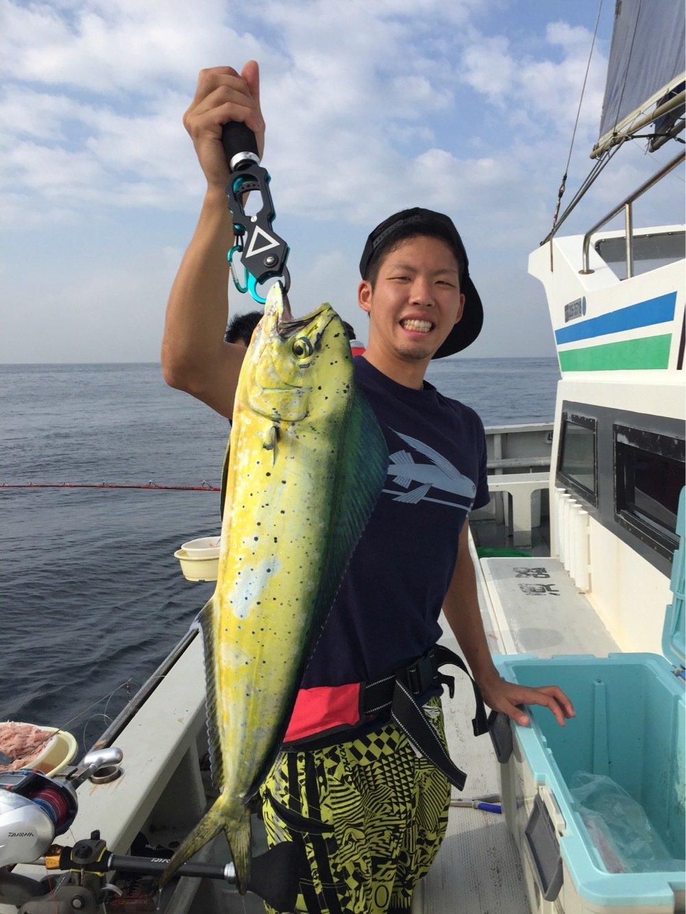 しょーごさんの投稿画像,写っている魚はシイラ