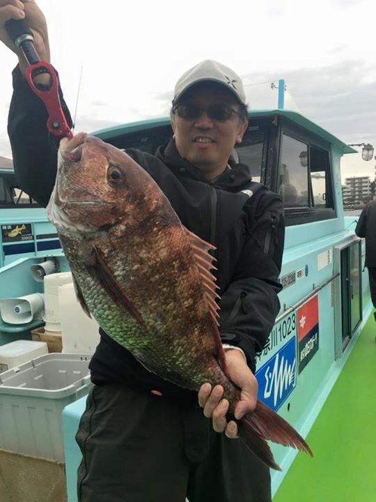 naruzo さんの投稿画像,写っている魚はマダイ