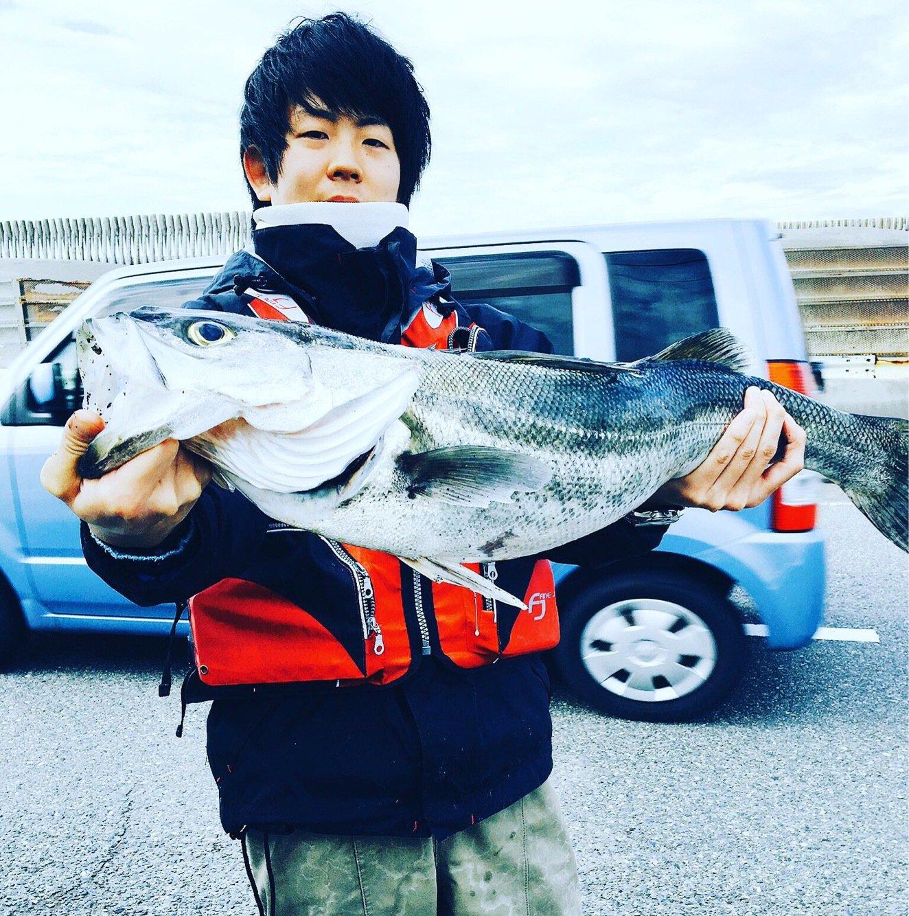 ゆーさくさんの投稿画像,写っている魚はスズキ