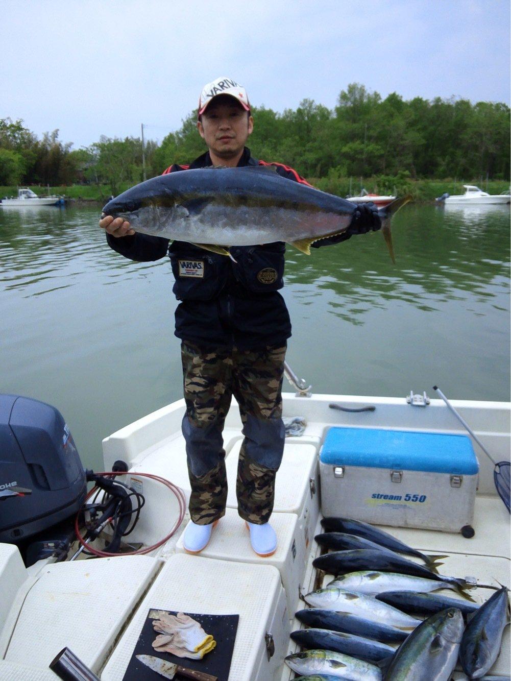 ひろにぃさんの投稿画像,写っている魚はヒラマサ