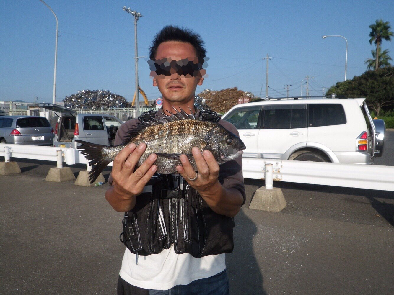 takashiさんの投稿画像,写っている魚はクロダイ