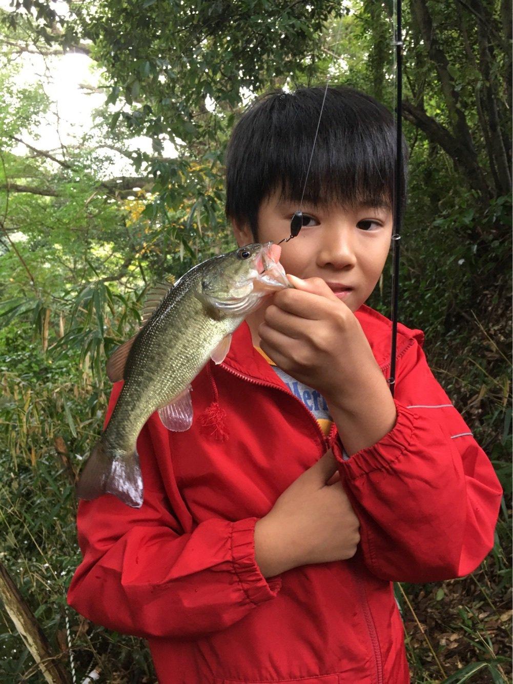 長谷川 真一さんの投稿画像,写っている魚はブラックバス